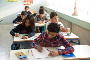 Adjusting migrant and refugee children to European schools